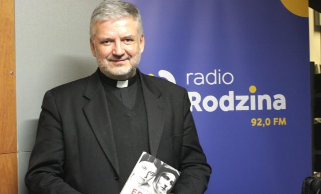 Rozmowa z ks. prof. Robertem Skrzypczakiem w Radio Rodzina