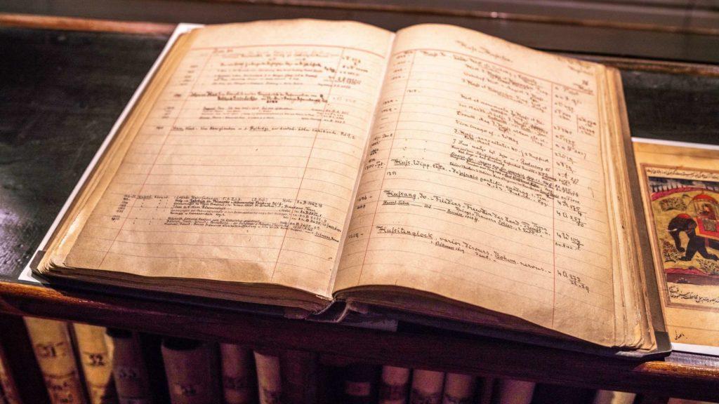 Publikacje Edith Stein iEdmunda Husserla wzbiorach Biblioteki Miejskiej (Stadtbibliothek zu Breslau)  przedwojennego Wrocławia